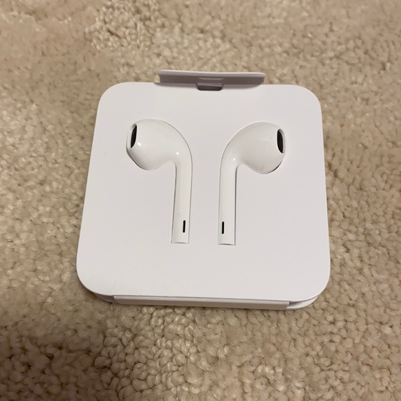 Brand New Authentic Apple Airbuds
